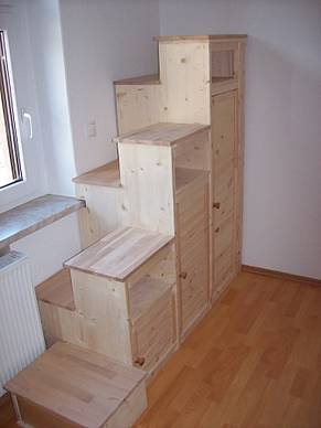 projekt schrank mit stufen f r hochbett. Black Bedroom Furniture Sets. Home Design Ideas
